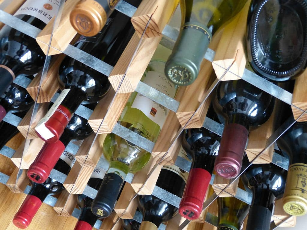Distribution de vin du Rhône